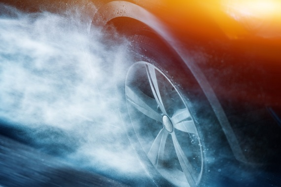 how-to-avoid-hydroplaning-and-what-to-do-if-it-happens